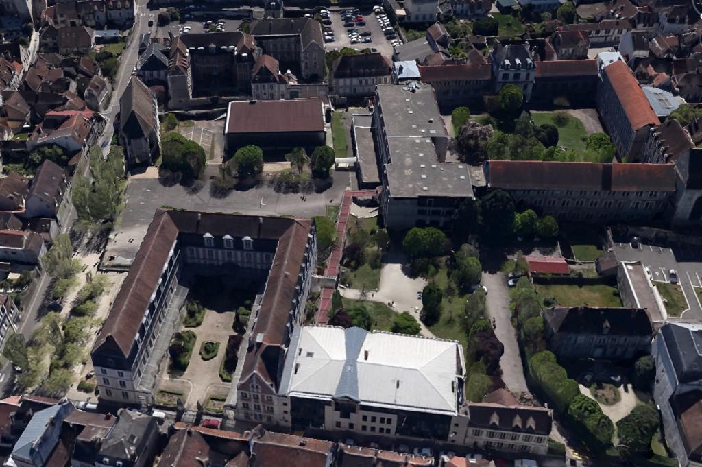 Lycée Jacques Amyot - vue actuelle (2015)